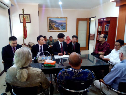 Pict. 2 JFBA delegation meeting with Faculty of Law Univeristas Indonesia Vice-Dean