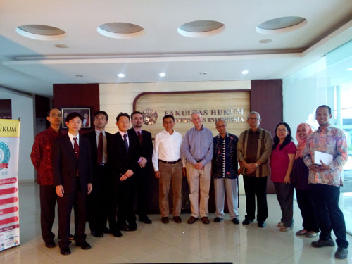 Pict. 1 JFBA delegation and Universitas Indonesia Lecturer From Right to Left: Mr. Parulian Aritonang, Ms. Laras, Ms. Henny Marlyna, Prof. Insan Budi Maulana, Prof. Agus Sardjono, Mr. Anton, Mr. Hamid Chalid (vice-dean), Mr. Takahashi, Mr. Shigetomi, Mr. Yamaguchi, Mr. Kimura, and Mr. Joko